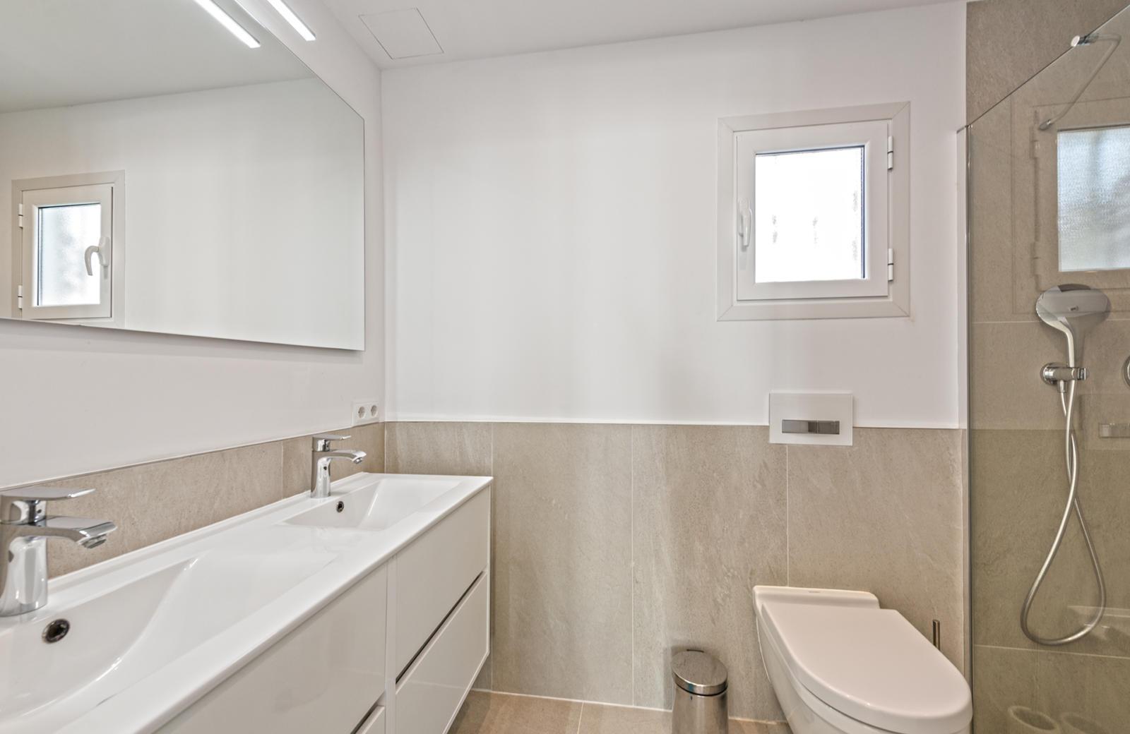 Hauptbadezimmer